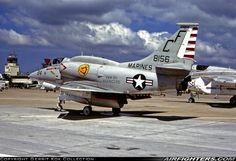 "USMC Douglas A-4M Skyhawk. Santa Ana - El Toro MCAS (NZJ / KNZJ) - USA, April 9, 1978.VMA-211 ""Avengers"". to AMARC as 3A0542 Feb 15, 1989."