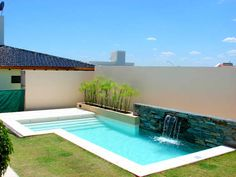 Moderne pools with scualo modern pools Backyard Pool Landscaping, Backyard Pool Designs, Small Backyard Pools, Small Pools, Swimming Pools Backyard, Swimming Pool Designs, Outdoor Pool, Backyard Ideas, Luxury Swimming Pools