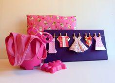 Dressing rose par Estampapier. Origamis roses sur tableau fond violet. vendu 18€