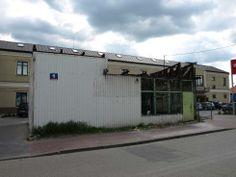 Kolejna buda znika z krajobrazu miasta. Czy pamiętacie co się w niej znajdowało zanim objęli ją w osiadanie właściciele azjatyckiej kuchni?