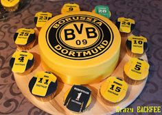 Bildergebnis für motive cake with marzipan Cupcakes, Soccer Cake, Lemonade, Peppermint, Fondant, Cake Decorating, Bakery, Food And Drink, Dortmund Shirt