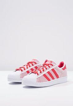 Lass dich vom Style der 60er Jahre inspirieren. adidas Originals SUPERSTAR  ADICOLOR - Sneaker low 6466d5f574d