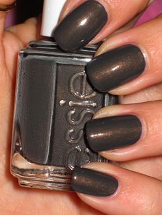 I have this color and it is absolutely gorgeous in person!! Beautiful on short nails!