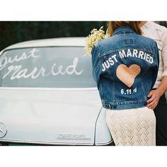 """105 mentions J'aime, 2 commentaires - Petit Mariage entre Amis (@petitmariageentreamis) sur Instagram : """"Customiser sa veste en jean pour le Jour J  @jnbyjnllovet @hellogabyj #sostyle #mariée #denim…"""""""