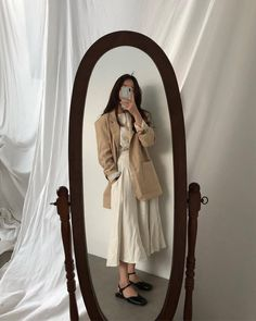 Find images and videos about fashion, style and korean on We Heart It - the app to get lost in what you love. Modest Outfits, Modest Fashion, Hijab Fashion, Fashion Outfits, Korean Aesthetic, Beige Aesthetic, Mode Kpop, Korea Fashion, Asian Style