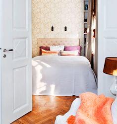Colors and delicate prints. #decor #interior #design #bedroom #charm #casadevalentina