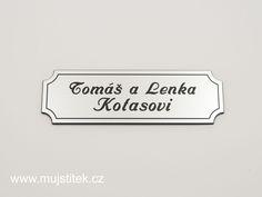 Stříbrný štítek na poštovní schránku s gravírováním jména. www.mujstitek.cz