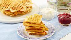Sjømannskirken har servert vafler til nordmenn i utlandet i snart 150 år. Belgium Waffles, Baked Pancakes, Norwegian Food, Snack Recipes, Snacks, Baked Goods, Food To Make, Sweet Treats, Good Food