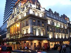 Her Majesty's Theatre, London  http://www.ourlondontaxi-london.blogspot.com/2012/01/west-end-theatre.html