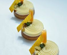 Spinning #whitechocolate #tart #callebautchocolate #haroldsacademy