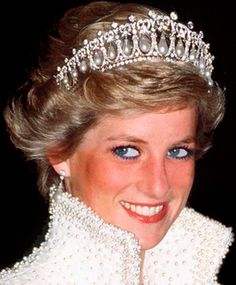 Diana, Princess of Wales  *After the divorce of Princess Diana of Wales and Prince Charles the tiara was given back to the Queen.