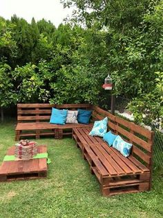 Outside Pallet Bench