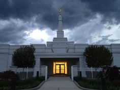 Detroit MI LDS temple    #MormonLink #LDSTemples  We love Temples at: www.MormonFavorites.com