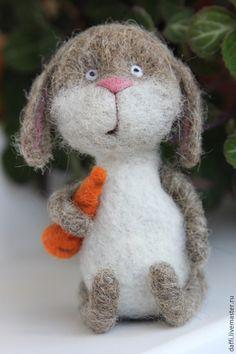 Купить Запасливый заяц Федор - серый, заяц, зайчик, зайка, шерстяная игрушка, войлочная игрушка