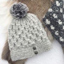 Lua strikkes i alpakkagarnet Pus fra Du store alpakka. Den sitter godt over ørene og . Winter Hats, Knitting, Den, Store, Baby, Tricot, Breien, Larger, Stricken