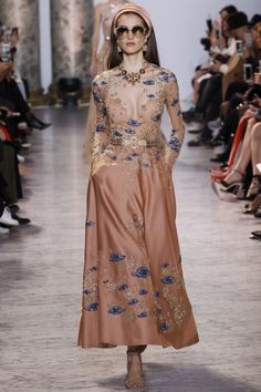Elie Saab | Haute Couture | Spring 2017 - welcome in the world of fashion | Fashion Now