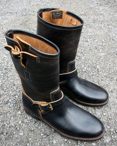 BRASS Tokyo Saddle Leather, Leather Shoes, Black Leather, Motorbike Clothing, Motorcycle Boots, Fashion Boots, Mens Fashion, Engineer Boots, Hard Wear