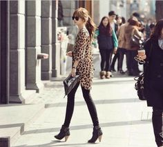 Featuring wild leopard print and sexy V-neck.You shold prepare the #Leopard #LongSleeve in your home.