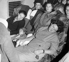 1956, mikor a magyar menekülteken segített a világ - kepek Couple Photos, Couples, Art, Couple Pics, Craft Art, Couple Photography, Couple, Kunst, Gcse Art