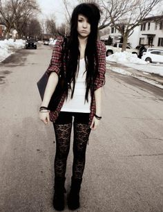Not into emo/scene, but it's kinda cute. Especially the tights