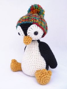 [Free Pattern] This Little Penguin With Pom Pom Hat Is Totally Adorable