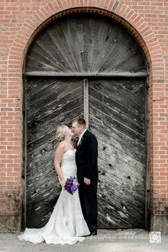 < 3 Beautiful background of the Hermannhof Winery, in Hermann, Missouri! Couple Pictures, Wedding Pictures, Couple Photography, Engagement Photography, Hermann Missouri, Wedding Inspiration, Wedding Ideas, Country Weddings, Simple Elegance