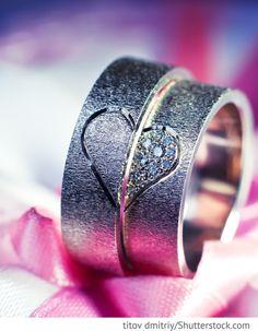 Eheringe Weißgold mit Herzgravur für Hochzeit