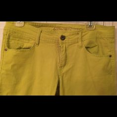 Great Citroen colored Dollhouse  jeans Lemon – lime, low rise, skinny jeans, by Dollhouse. Size 11, runs a half size small. Like new !! Balmain has a similar pair ,for much more money! Dollhouse Jeans Skinny