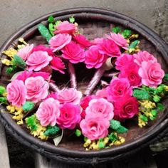 Our everlasting wooden roses are authentically hand-crafted with particular attention to detail. Made from high quality birch wood, hand-crafted. Wooden Roses, Floral Wreath, Bloom, Wreaths, Crafts, Home Decor, Floral Crown, Manualidades, Decoration Home