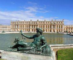 Palácio de Versalhes, Paris, França.
