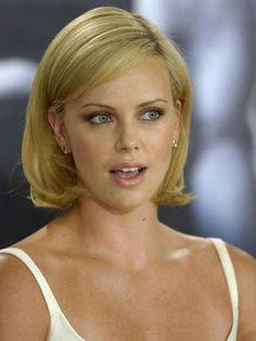 ¡Felicidades, Charlize! Repasamos 40 'looks' de la actriz en su 40º cumpleaños - Foto 6