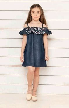 Vestidos para niñas jolie look toi ici Baby Girl Dress Patterns, Dresses Kids Girl, Baby Dress, Kids Outfits, Tween Fashion, Baby Girl Fashion, Kids Frocks, Kids Wear, Kids Girls