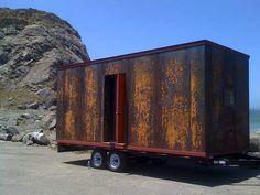POPOMO: moderna casa móvil con acabado en acero corten
