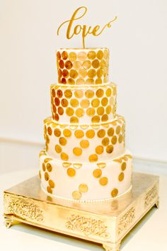 Gold dotted cake: http://www.stylemepretty.com/massachusetts-weddings/chatham/2015/05/14/romantic-gold-infused-chatham-bars-inn-wedding/ | Photography: Kelly Dillon - http://kellydillonphoto.com/