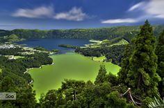 Lagoa das sete cidades na ilha de São Miguel, nos Açores.