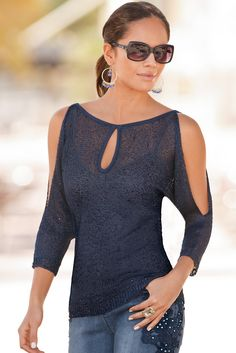 Boston Proper Discover the most beautiful dress patterns on this page. This page contaFrom fearlessly fitted to effortlessly chic, women's tops, blouses and sweaters at Boston Proper are sexy, distinctive, and flatter every figure. Most Beautiful Dresses, Beautiful Outfits, Blouse Styles, Blouse Designs, Mode Outfits, Casual Outfits, Unique Clothes For Women, Shirt Bluse, Boston Proper