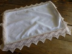 A beautiful good quality linen tray cloth with hand crocheted border. A vintage piece in excellent condition free from stains. Crochet Borders, Hand Crochet, Lace Shorts, Vintage, Shopping, Trays, Hands, Hand Made, Crochet Edgings
