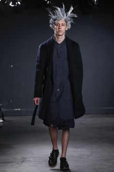 See the complete Julien David Fall 2016 Menswear collection.