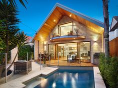 Photo of a pool design from a real Australian home from the Home Ideas Pools galleries - Pool photo 17112065. Browse hundreds of photos of swimming pools on Home Ideas.