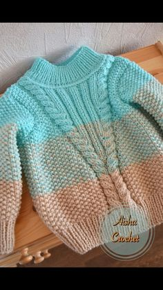 Free Knitting Pattern Baby Cardigan with Cables Baby Boy Knitting Patterns, Baby Sweater Patterns, Knitting For Kids, Knitting Designs, Baby Patterns, Free Knitting, Baby Cardigan, Baby Boy Sweater, Girls Sweaters