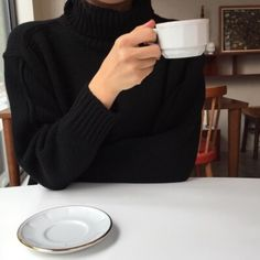 Simple - Classy - Elegant on We Heart It Autumn Aesthetic, Classy Aesthetic, Beige Aesthetic, Hijab Fashion, Fashion Outfits, Aesthetic Pictures, Parisian, Winter Outfits, My Style