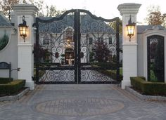 French Colonial Mansion on the Market in Ritzy Alpine - Home Dekoration Tor Design, Gate Design, Dream Home Design, My Dream Home, House Design, Dream Big, Front Gates, Entrance Gates, House Entrance