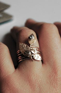 Such a pretty ring.