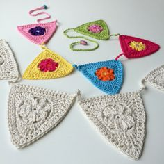 (you can use any kind of yarn/hook size – US terms are used) round in a magic ring, you crochet 6 sc's, close the ring with a slip stitch into the first sc (or crochet 4 chains, make… Crochet Bunting Pattern, Crochet Garland, Granny Square Crochet Pattern, Crochet Granny, Crochet Motif, Knit Crochet, Crochet Patterns, Free Crochet, Crochet Home