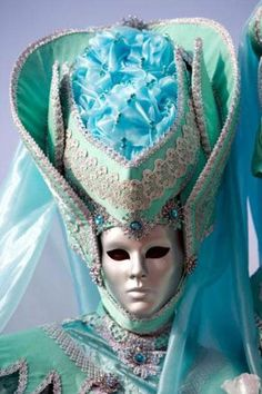 Venetian costume and silver mask - turquoise Venetian Carnival Masks, Mardi Gras Carnival, Carnival Of Venice, Venetian Masquerade, Masquerade Ball, Venice Carnivale, Venice Mask, Venitian Mask, Silver Mask