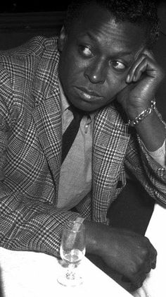 "themaninthegreenshirt: ""Miles Davis was the best-dressed man of the century. Starting out, he'd customise his pawnshop Brooks Brothers suits, cutting notches in the lapels in imitation of the. Pop Musicians, Country Musicians, Miles Davis, Modal Jazz, Classic Jazz, Trumpet Players, Jazz Artists, Music Artists, Diane Arbus"
