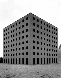 """""""Gabriele Basilico, architecture and city"""" photographs from the collections of MAXXI in Madrid - BMIAA Gothic Architecture, Amazing Architecture, Contemporary Architecture, Architecture Design, Aldo Rossi, Milan, Postmodernism, Brutalist, Cemetery"""