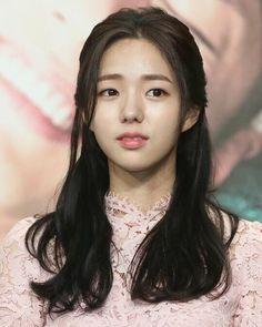 #구르미그린달빛 많이 사랑해주세요🙇🏻❤️ Asian Men Hairstyle, Asian Hair, Korean Actresses, Korean Actors, Korean Beauty, Asian Beauty, K Drama, Korean Celebrities, Stunningly Beautiful