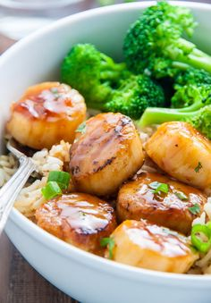 Honey Glazed Scallops | Community Post: 15 Insanely Delicious Dinners You Can Make In Under 15 Minutes