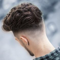 are our predictions for the upcoming men's hairstyles for next year. These 2018 trends are based on popular looks that are gaining traction, European hair trends that are making their way to North America and Mens Hairstyles 2018, Cool Mens Haircuts, Cool Hairstyles For Men, Popular Haircuts, Hairstyles Haircuts, Latest Haircut For Men, Blowout Haircut, Fade Haircut, Asian Haircut